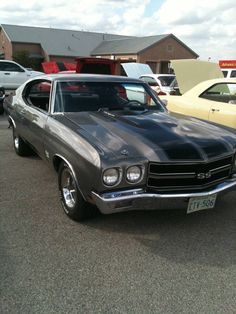more classic car porn - reminds me of my first car, a 72 Pontiac LeMans Old Muscle Cars, Chevy Muscle Cars, American Muscle Cars, Chevy Chevelle Ss, Chevrolet 3100, Pontiac Lemans, Old School Cars, Porno, Us Cars