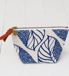 Leaf Canvas Zipper Pouch | Women's Bags & Wallets | Flowie | Scoutmob Shoppe | Product Detail
