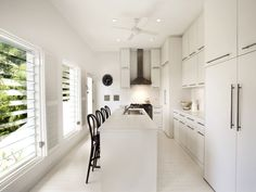 Looking for a new kitchen or just love admiring beautiful kitchen images from afar? We've got collections of fantastic kitchen photos to feast your eyes on. Galley Kitchen Design, Kitchen Reno, Kitchen Designs, New Kitchen, Kitchen Ideas, Kitchen Images, Kitchen Photos, Contemporary Kitchen Design, Beautiful Kitchens