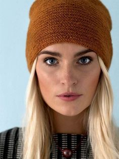 Knitting pattern: Hat with folding edge - ALT. Knit Crochet, Crochet Hats, Knitting For Charity, Textiles, Beanie Hats, Knitting Projects, Mittens, Headbands, Knitted Hats