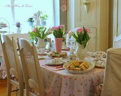 A pink dinner