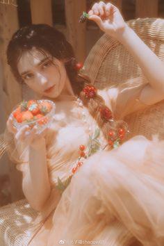 Beautiful Girl Photo, Beautiful Asian Girls, Beautiful People, Korean Photoshoot, Photoshoot Concept, Pose Reference Photo, Art Reference Poses, Figure Photography, Portrait Photography