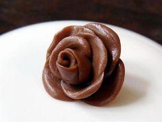 Tootsie Roll Rose - ButterYum