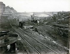 Construction site to the west of Waterloo Bridge, 15 Victorian Photos Of The London Underground Being Built Victorian London, Victorian Photos, Vintage London, Old London, Victorian Era, Edwardian Era, London Pictures, London Photos, London Underground