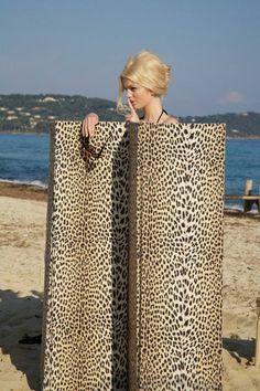 Leopard print screen.