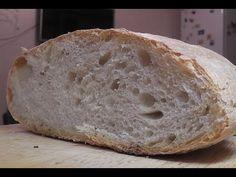 Очень вкусный домашний хлеб с хрустящей корочкой и выпечкой без особых усилий. Тесто для него не нужно вымешивать, как для большинства хлебов. И еще в нем оч...