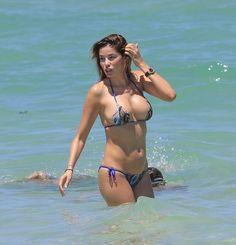 Yespica bikini aida