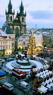 Praga's Old Town, Czech Republic--It was amazing at Easter and now I want to go for Christmas!
