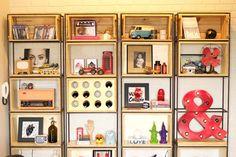 A estante de vergalhão da sala - Homens da Casa                                                                                                                                                                                 Mais