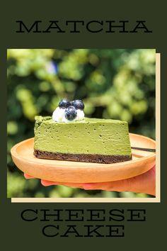 A slice of matcha cheesecake please Fun Desserts, Dessert Recipes, Yummy Treats, Yummy Food, Matcha Tea Powder, Matcha Cake, Organic Matcha, Cake Youtube, Eating Clean