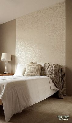 Headboard wall idea - Metallic stencil as a wall accent - RDS Fabric Damask Home Bedroom, Bedroom Wall, Master Bedrooms, Living Room Interior, Living Room Decor, Wallpaper Headboard, Bedroom Decor Wallpaper, Painted Headboard, King Headboard