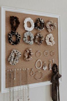 Paris Room Decor, Paris Rooms, Paris Wall Art, Scrunchies, Ideas Para Organizar, Aesthetic Room Decor, Cute Little Animals, Next At Home, Diy For Teens