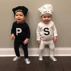 Doubles Halloween Costume Ideas for Babies and Toddlers halloween nails, basic halloween costume, galaxy halloween costume Halloween Costume Ideas for Babies and Toddlers Halloween Costume Couple, Halloween Costumes Kids Boys, Group Halloween, Infant Halloween, Halloween Couples, Halloween Bingo, Halloween Movies, Halloween Halloween, Vintage Halloween
