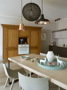 dining room, open kitchen, philip starck chairs, driade bo, moooi random lamp