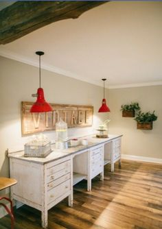 8 Knowing Clever Tips: Bedroom Paintings Modern interior painting budget.Bedroom Paintings Fixer Upper interior painting tips. Fixer Upper Joanna, Magnolia Fixer Upper, Joanna Gaines Blog, Chip And Joanna Gaines, Chip Gaines, Joanne Gaines, Magnolia Farms, Magnolia Homes, Magnolia Market