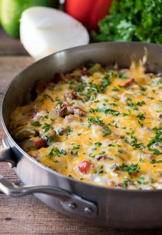 WOW! My family LOVED this super easy Ground Beef Stuffed Pepper Skillet. It was like regular stuffed pepper filling made in just one pan! Beef Casserole Recipes, Ground Beef Casserole, Meat Recipes, Mexican Food Recipes, Cooking Recipes, Healthy Recipes, Casserole Ideas, Skillet Recipes, Sauce Recipes
