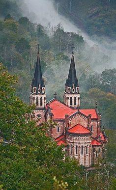 Découvrez les plus beaux villages de l'Espagne avec nos Tours VIP. Agence de voyages de luxe, Madrid-experience.com