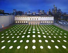 Städel Museum / Schneider + Schumacher. Doubly-curved roof slab with 195 roof lights!!