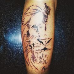 Tattoo Lion de Judá  Apocalipse 5:5 Tatuadora Vanessa Grand