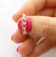 5 DIY Easy Rings - Braided & No Tools! - Jewls n things - 5 DIY Easy Rings - Braided & No Tools! I love simple diy projects and simple life hacks so in this tutorial I'll show you just that! I am yet again creating DIY Easy rings and this time I have Wire Jewelry Designs, Handmade Wire Jewelry, Wire Wrapped Jewelry, Jewelry Crafts, Beaded Jewelry, Diy Wire Jewelry Rings, Wire Bracelets, Diy Jewellery, Crochet Wire Jewelry