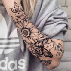 Demi-manche fleurie par Ariana Roman - Demi-manche floral papillon monarque tournesol Informations About Floral half sleeve by Ariana Roman - Bicep Tattoo Men, Inner Bicep Tattoo, Forearm Tattoos, Body Art Tattoos, Xoil Tattoos, Woman Tattoos, Tattoo Ink, Nature Tattoos, Woman Sleeve Tattoos