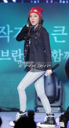 Dara member of Kpop Kpop Girl Groups, Korean Girl Groups, Kpop Girls, Kpop Fashion, Korean Fashion, Fashion Outfits, Sandara Park Fashion, 2ne1 Dara, Gangnam Style