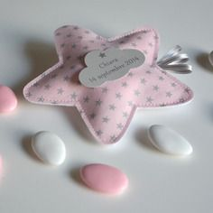 Ballotins de dragées baptême étoile rose poudré et argent sur commande Little Boy And Girl, Boy Or Girl, Sewing Projects, Projects To Try, Little Star, Baby Sewing, Creative Gifts, Twinkle Twinkle, Communion