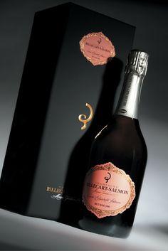 CHAMPAGNE BILLECART-SALMON - BRUT ROSE 2006 : l'assemblage des prestigieuses cuvées Billecart-Salmon est minutieusement réalisé grâce aux illustres cépages que sont le Chardonnay, le Pinot Noir et le Pinot Meunier, tous issus des plus grands crus de la région champenoise. #Champagne #BillecartSalmon #VinMillesima
