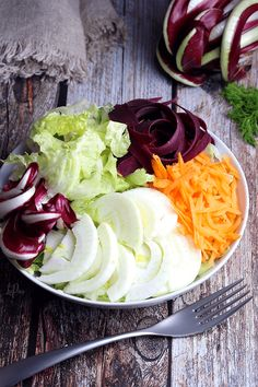 Un piatto detox, vegetariano e vegano, coloratissimo. In questa ricetta vi racconto le proprietà di tutti gli ingredienti. Cabbage, Vegetables, Food, Vegetarian, Vegan, Essen, Cabbages, Vegetable Recipes, Meals