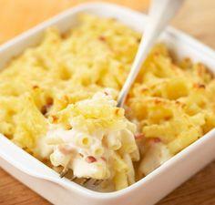 Faites un gratin de pâtes aux lardons et à la mozzarella pour le repas : vraiment génial, on n'y résiste pas !