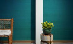 <span>Un vero shantung di seta murale artigianale, raffinato, elegante e dai colori splendenti.  Tonalità indiane, speziate, fiammeggianti che illumineranno le pareti e dei neutri eleganti e sobri.<br></span>Rivestimento murale 100% in seta su supporto in tessuto-non-tessuto. Larghezza: 105 cm<br>