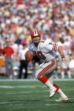 Old School Football Falcons Football, Nfl Football Players, School Football, Football Video Games, Football Photos, Nfl Uniforms, Superbowl Champions, Football Conference, Sports Figures