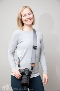 There's a very short list of things that every single photographer should definitely have for their camera, but a camera strap is on that list! Digital Camera For Beginners, Best Digital Camera, Best Camera Strap, Camera Straps, Camera Hacks, Camera Gear, Photography Tips, Fashion Photography, Camera Equipment