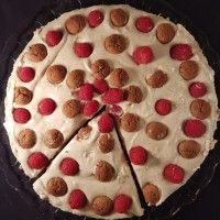 Speculaas Mon chou taart met frambozen en kruidennoten : Recepten van Domy
