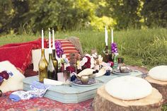 A luxurious Moroccan inspired wedding picnic. Photo by Anne Hebert Photography. #weddingpicnic #moroccanstyle