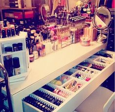 Wanting a make-up desk like this :( I need this one with a lot of  makeup!