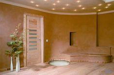 Tynk gliniany - ciekawa alternatywa szczególnie w miejscach gdzie możliwa jest wilgoć. Łatwy do nałożenia i naprawy w przypadku uszkodzenia tynku.Tynki gliniane poprawiają mikroklimat pomieszczeń, dlatego ze względów zdrowotnych są szczególnie zalecane w miejscach gdzie często przebywamy.