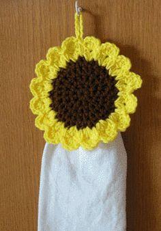 kitchen towel crochet pattern toppers | ... crochet sunflower towel topper will keep your kitchen towel handy