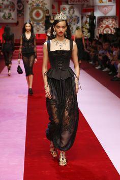 Dolce&Gabbana Spring Summer 2018 Women's Fashion Show. #DGSS18 #mfw #DGQueenOf❤️