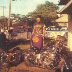 Vintage Biker, Custom Bobber, Old Motorcycles, Hells Angels, Bobber Chopper, Motorcycle Clubs, Biker Style, Love And Respect, Old School