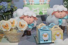 Decoração de festa infantil tema carneirinho / ovelha para Feira Bubble por Patrícia Junqueira Batizado e Festa de 1 Ano
