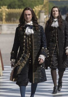 Let's turn back times. Louis Xiv Versailles, Versailles Tv Series, Historical Costume, Historical Clothing, Luís Xiv, George Blagden, 17th Century Fashion, Rococo Fashion, 18th Century Costume