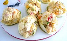 Huevos rellenos de ensaladilla de pollo
