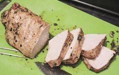 Fläskfilé marinerad i äppelmust. Enkelt och jättegott recept på helstekt fläskytterfilé. Inget fett, låg salt- och sockerhalt men fantastisk smak! Ingredienser: cirka 700 gram fläskytterfilé Marinad: 1 kruka färsk timjan, 2-3 vitlöksklyftor, 2 tsk BBQ Mesquite-krydda ur kvarn, 1½ msk balsamvinäger, 2 msk soja med låg salthalt, 4 msk osötad äppelmust
