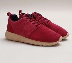 Nike WMNS Roshe Run Suede-Raspberry Red