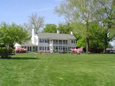 Now widely recognized as the ideal site for waterfront weddings and receptions, Swan Harbor Farm is host to over 100 outdoor events each year. The charming farmhouse, landscaped gardens, tented area, and gazebo overlooking the Bay set the stage for an event like no other.