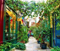 Montmartre Paris, Le Marais Paris, Paris City, Rue Bonaparte Paris, Wherever You Will Go, Plan Paris, Paris Green, Voyage Europe, City Break