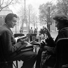 Le Petit Café de Paris