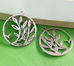 15pcs Antique Silver Tree in Ring Circle Charm Pendants 28mm AA201-2