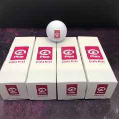 Business sleeves with customized golf balls. A great way to promote your company on the course. Starting at 4 per order.